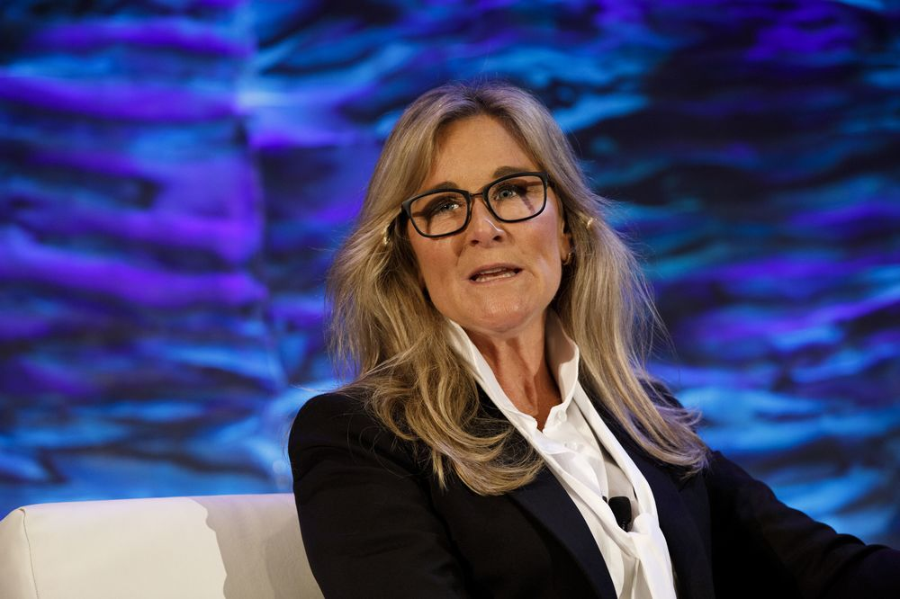 Apple's Former Retail Chief Angela Ahrendts Joins Airbnb Board