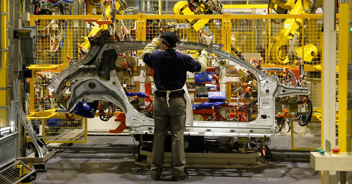 Nissan Delays Wage Talks With U.K. Workers on Brexit Uncertainty
