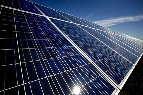 Buffett's $2 Billion Solar Bet Receives 'Attractive' Power