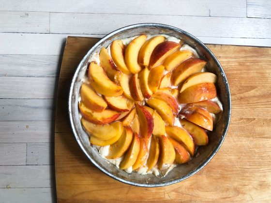Forget Pumpkin Spice: This Peach CakeRecipe Is the Dish of the Moment