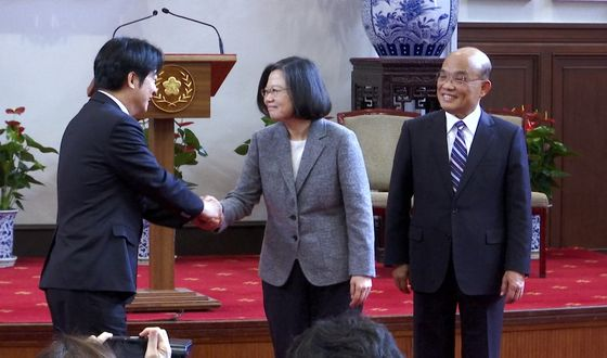 Taiwan Independence Backer Challenges Tsai for Presidency