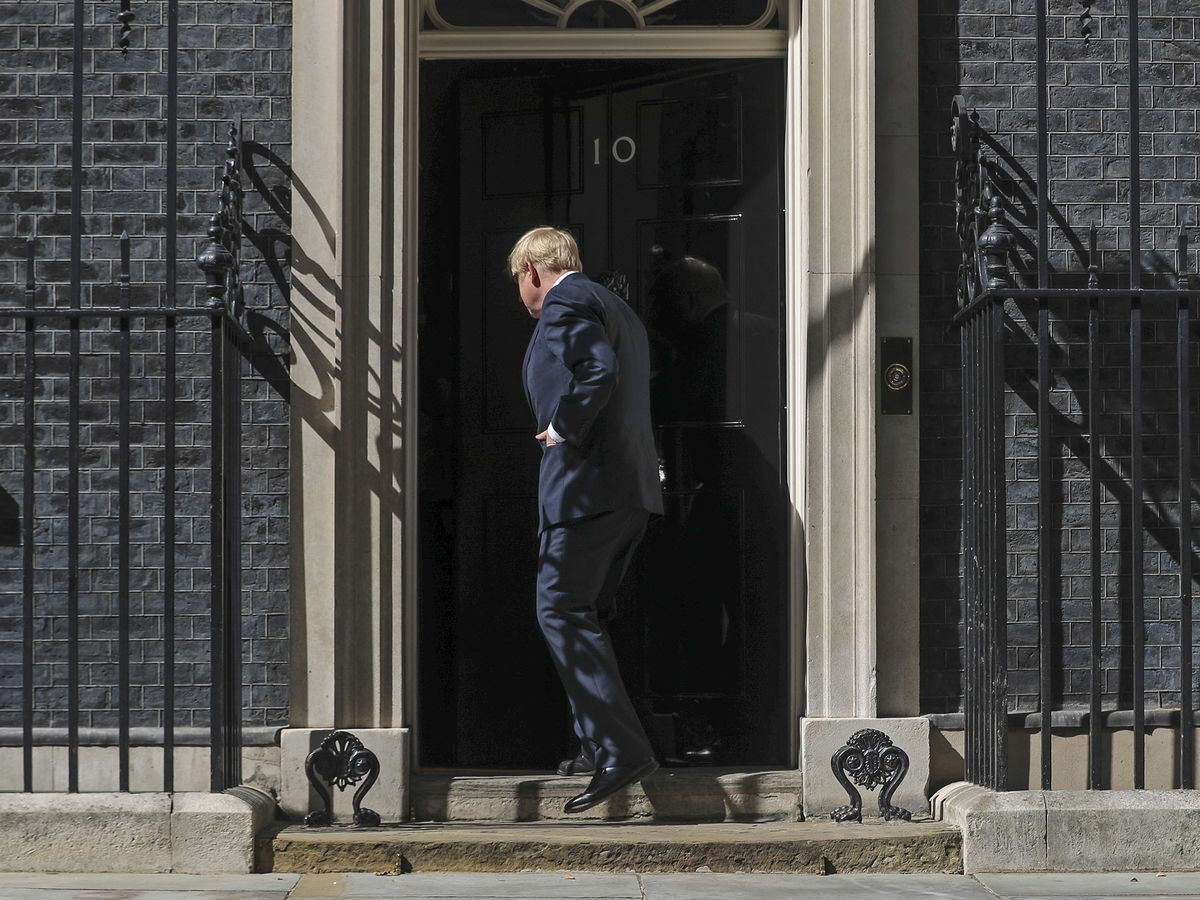 Johnson U-Turns, Says He'll Isolate After U.K. Covid Contact