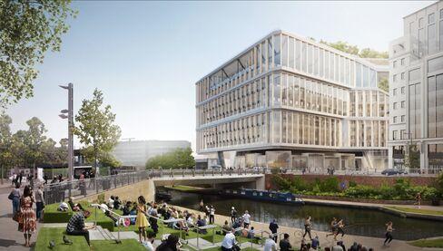 新社屋の建設予定地はロンドンの中心街に位置し、運河もそばにある