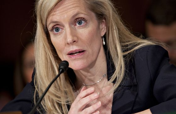 Brainard Says Risks to Economy Argue for `Softer' Rate Path