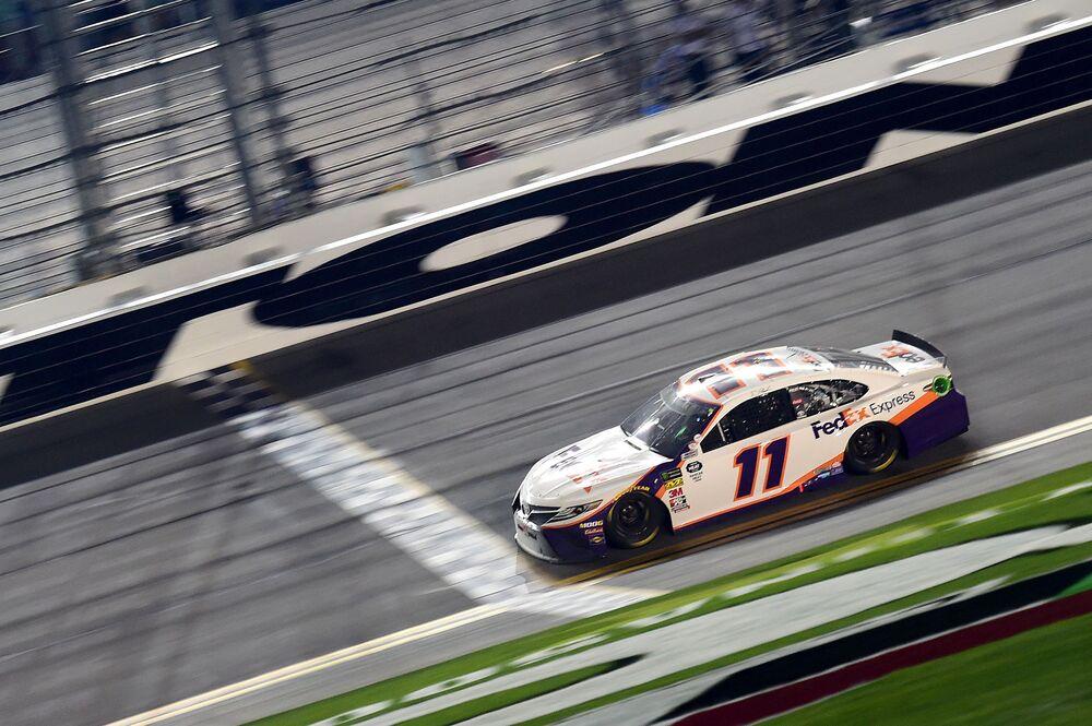 Denny Hamlin Cruises To 2nd Daytona 500 Victory In 4 Years Bloomberg
