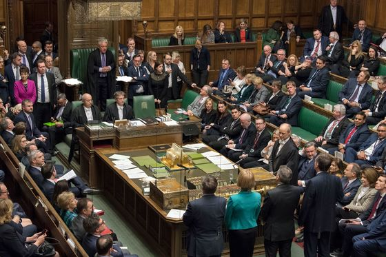 How Could May Get a Brexit Deal Past Parliament? You Do the Math
