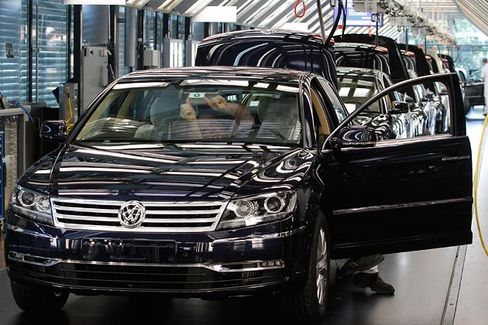 Why VW Is Rolling the Dice on a $70,000 Car, Again