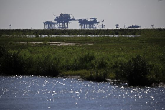 U.S. Gulf Onshore Oil Base Sees Weeks for Recovery After Ida
