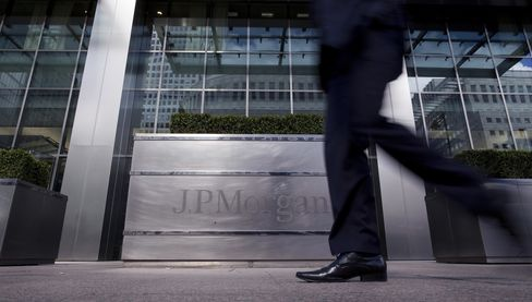 JPMorgan Said to Eliminate 20 London Investment-Banking Jobs
