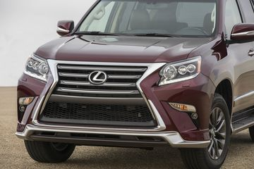 2017 Lexus GX 460 SUV Review - Bloomberg