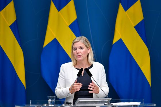 Sweden's Departing Premier Paves a Path for Finance Chief