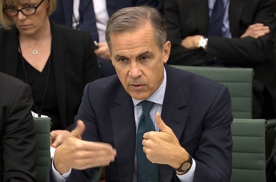 Carney Endorses Brexit Transition as May Argues for EU Deal