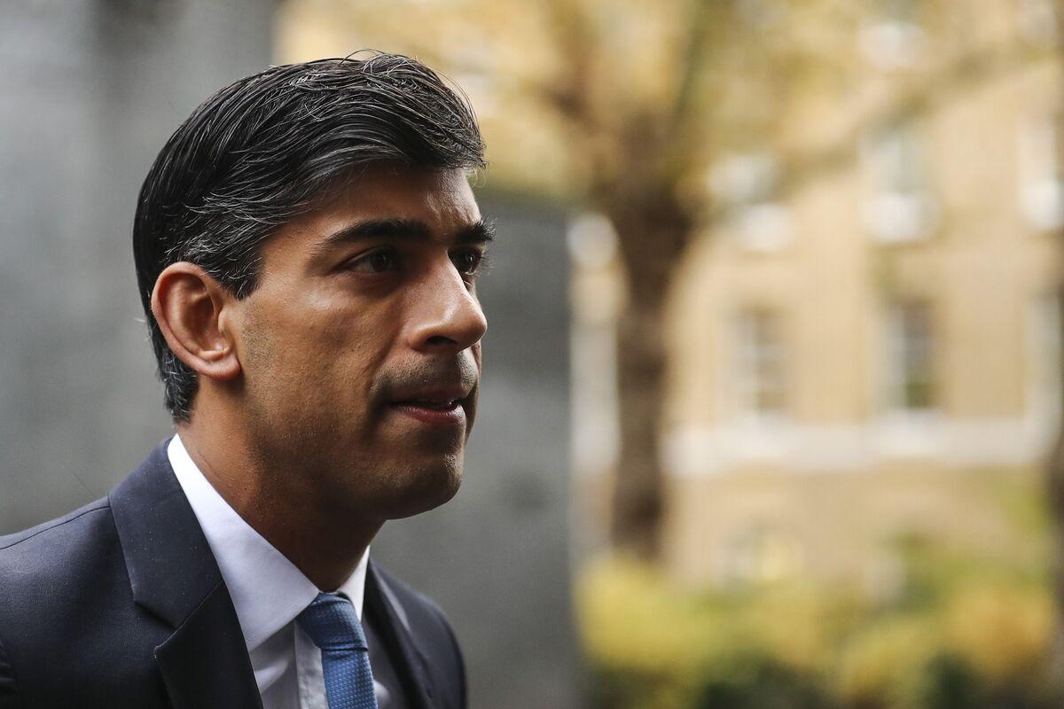 U.K.'s Sunak Resists Spending Pressure as BOE Set to Hike Rates