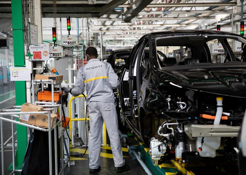 Renault SA Automobile Assembly Ahead of $5 Billion State-Backed Loan