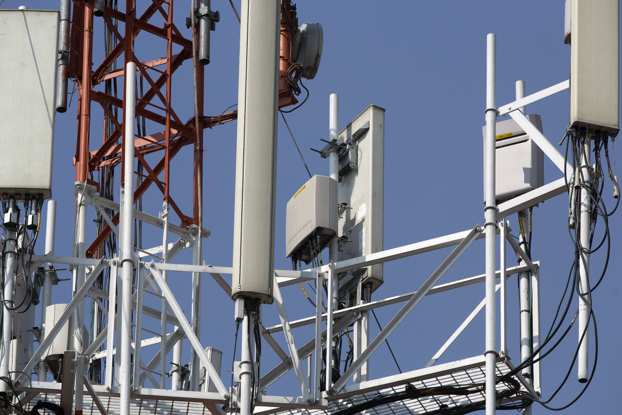 Google Led Plan To Upend Wireless Industry Gains Momentum Bloomberg Wiring Money Navy Federal