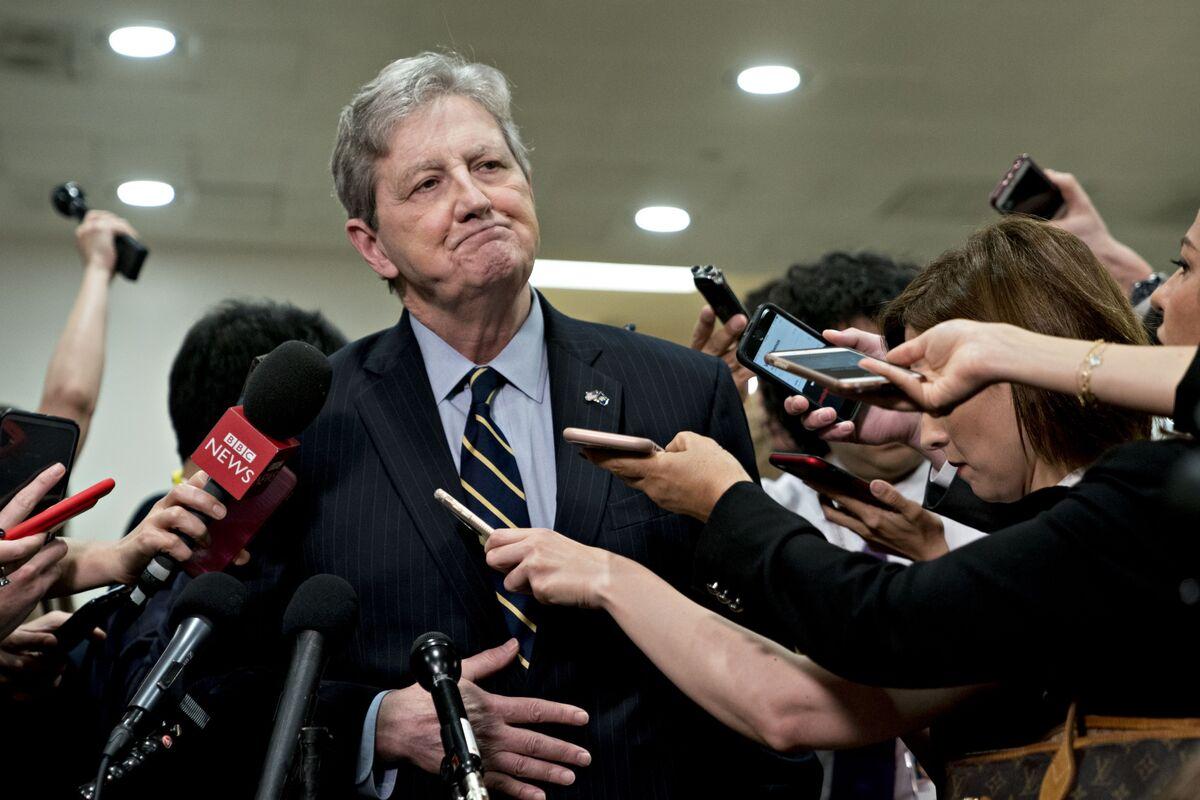 GOP Senator Clashes With NBC's Todd Over Ukraininan Interference