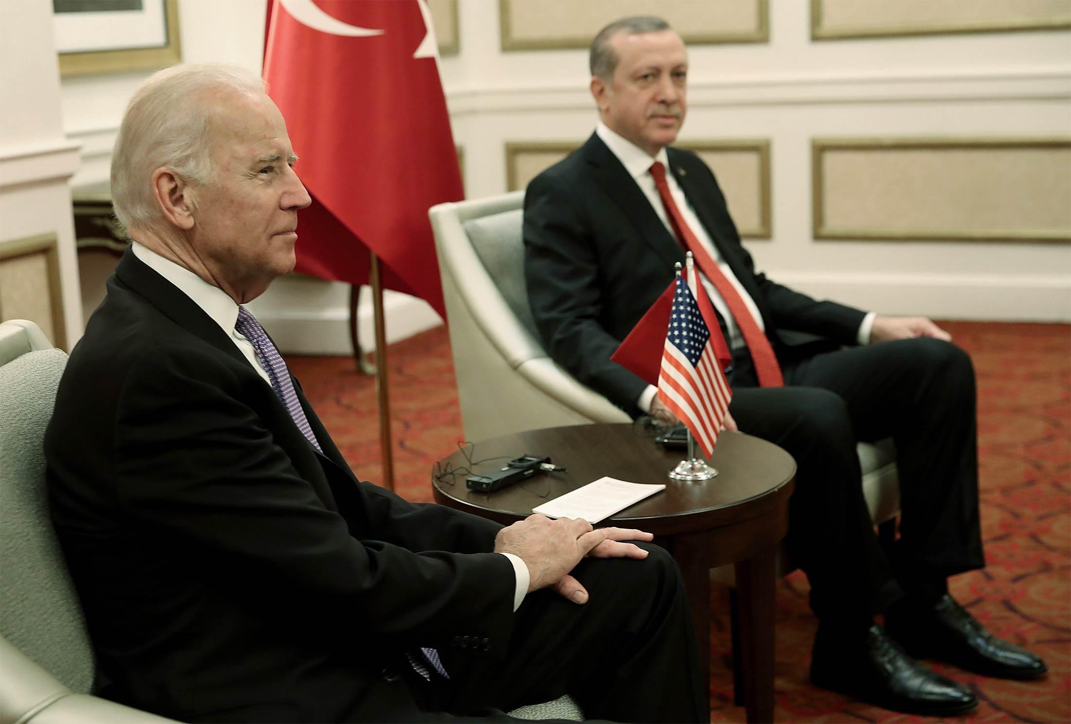 Joe Biden speaks to Recep Tayyip Erdoğan ahead of Armenia decision