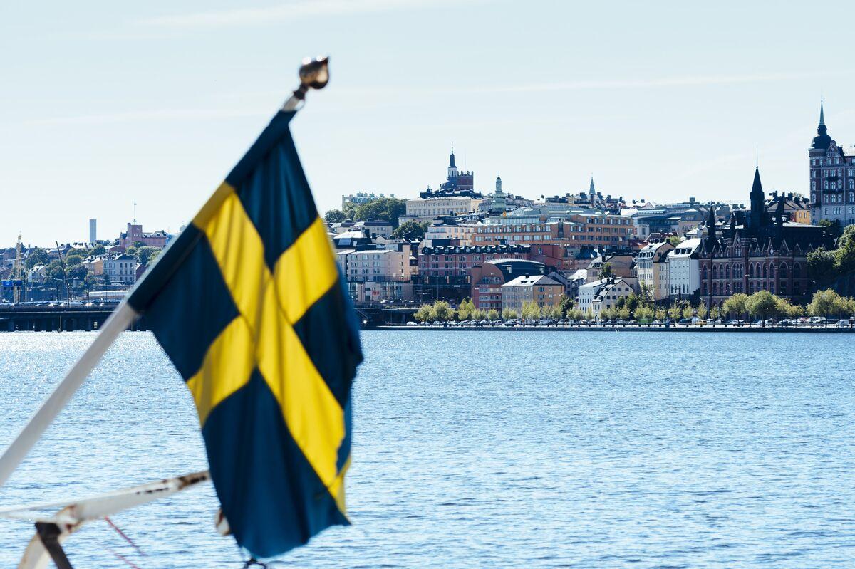 Sweden's Vanishing Debt Feeds Urgent Calls for a Spending Boom