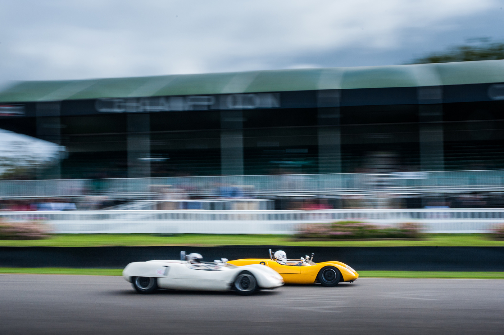 Vintage Cars Relive the Glory Days