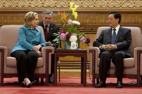 Hillary Clinton meets with Hu Jintao during the U.S.-China Strategic & Economic Dialogue in Beijing on May 25, 2010