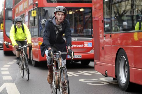 London Buses Make Life Difficult for Commuter Bicyclists