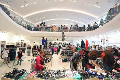 The Brilliant Business Model Behind H&M's Clothes Recycling Plan