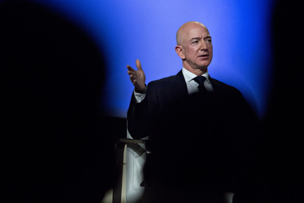 Penthouse Sale To Amazon S Bezos Is A Queens Broker S Dream Bloomberg