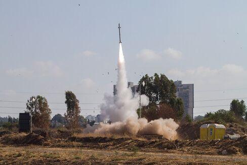 Living Through Israel's Thoroughly Modern War