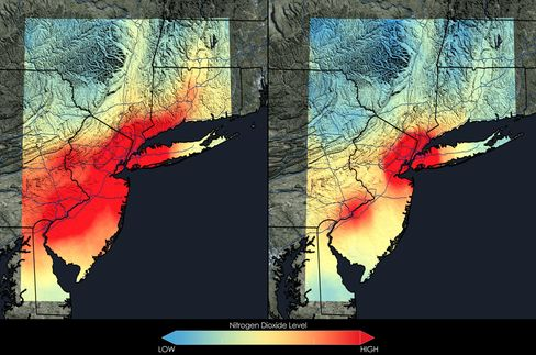 Satellite data show that New York City has seen a 32 percent decrease in nitrogen dioxide between the 2005-2007 (left) and 2009-2011 (right) periods.