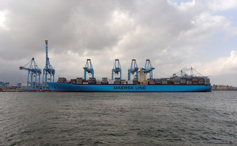 Container Ships Miss Boat as Maersk Pushes Punctuality
