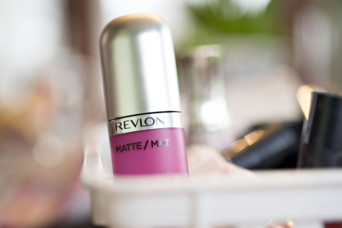 Revlon Says Bond Investors May Not Get Paid if Exchange Fails