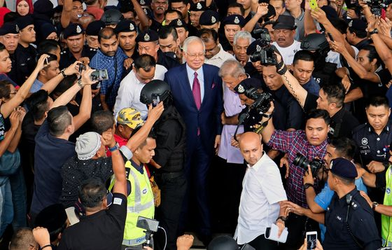 Mahathir's Test in Najib Trial: Prove It's Not a Political Stunt
