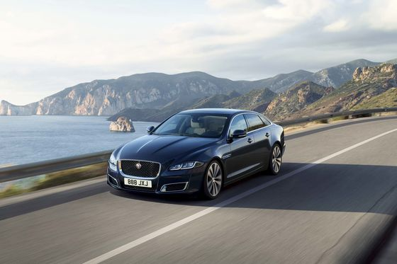 A Jaguar XJ Is the Coolest Vintage Car You Can Actually Afford to Buy