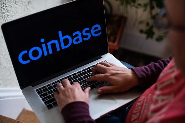 Coinbase memanfaatkan kegilaan cryptocurrency.