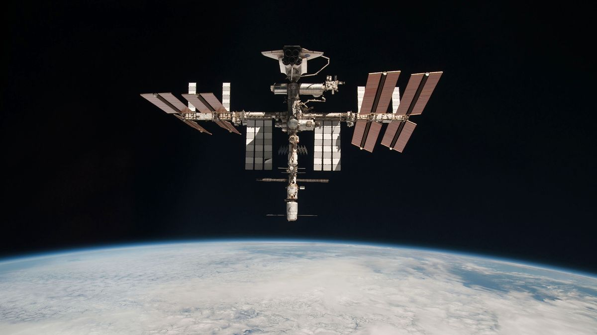 without canada the international space station would not exist The international space station, officially designed a us national laboratory, houses hundreds of projects investigating everything from the effects of weightlessness on viruses (which become.