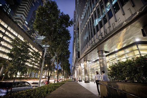 Singapore Stock-Trade Investigation Seen as Test of Credibility