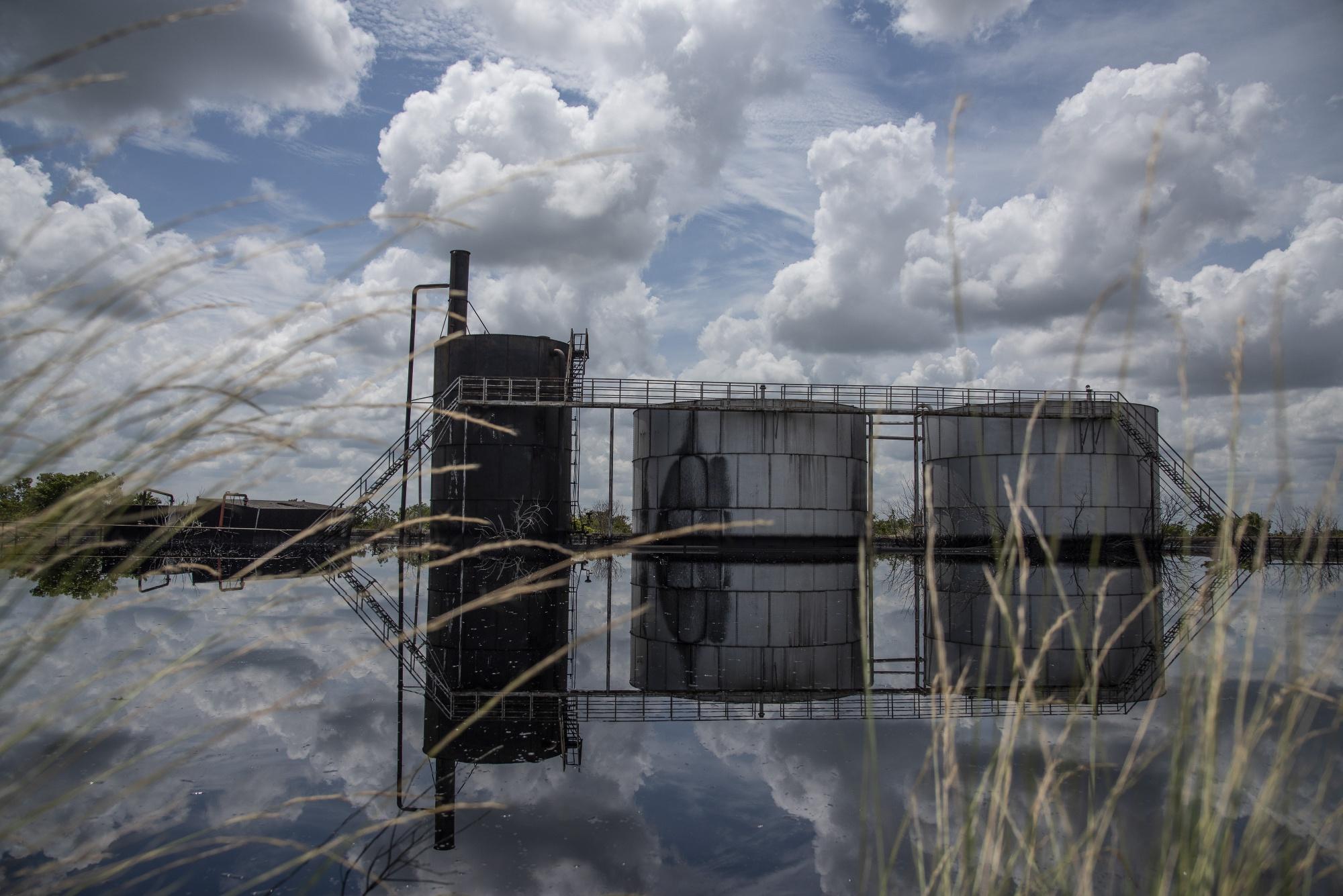 Derrame de petróleo en la instalación de PTVSA en Venezuela