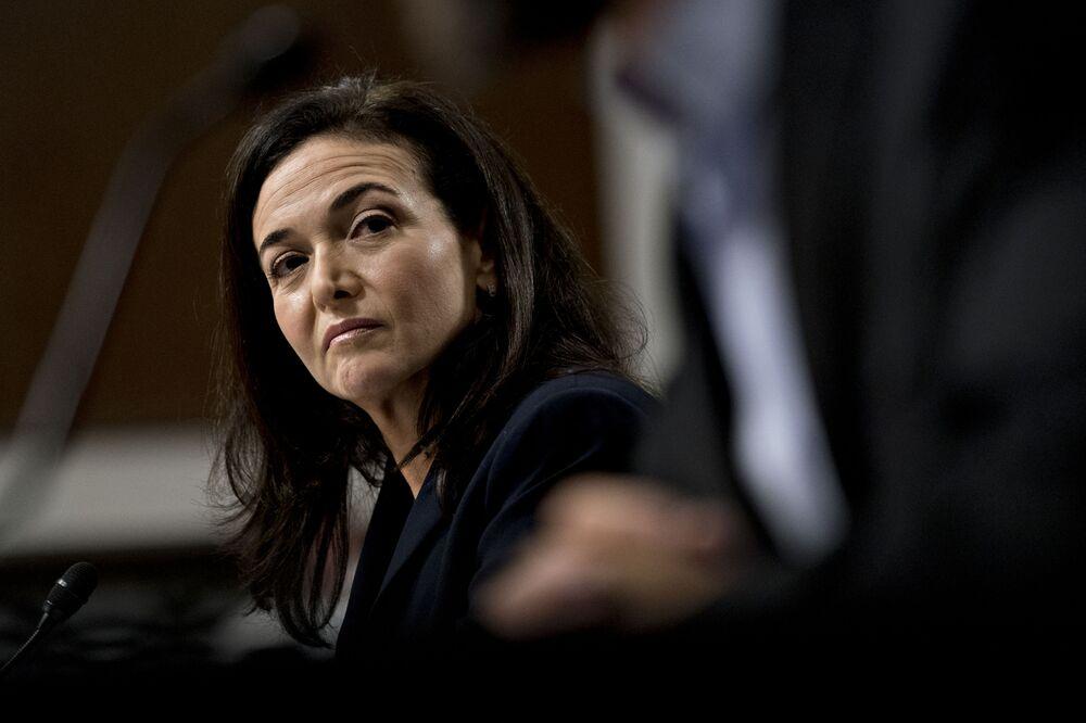 Facebook's Sandberg Courts Civil Rights Groups That Claim Bias