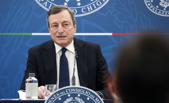 Italy's Deficit May Be Close to 10% in Second Year of Crisis