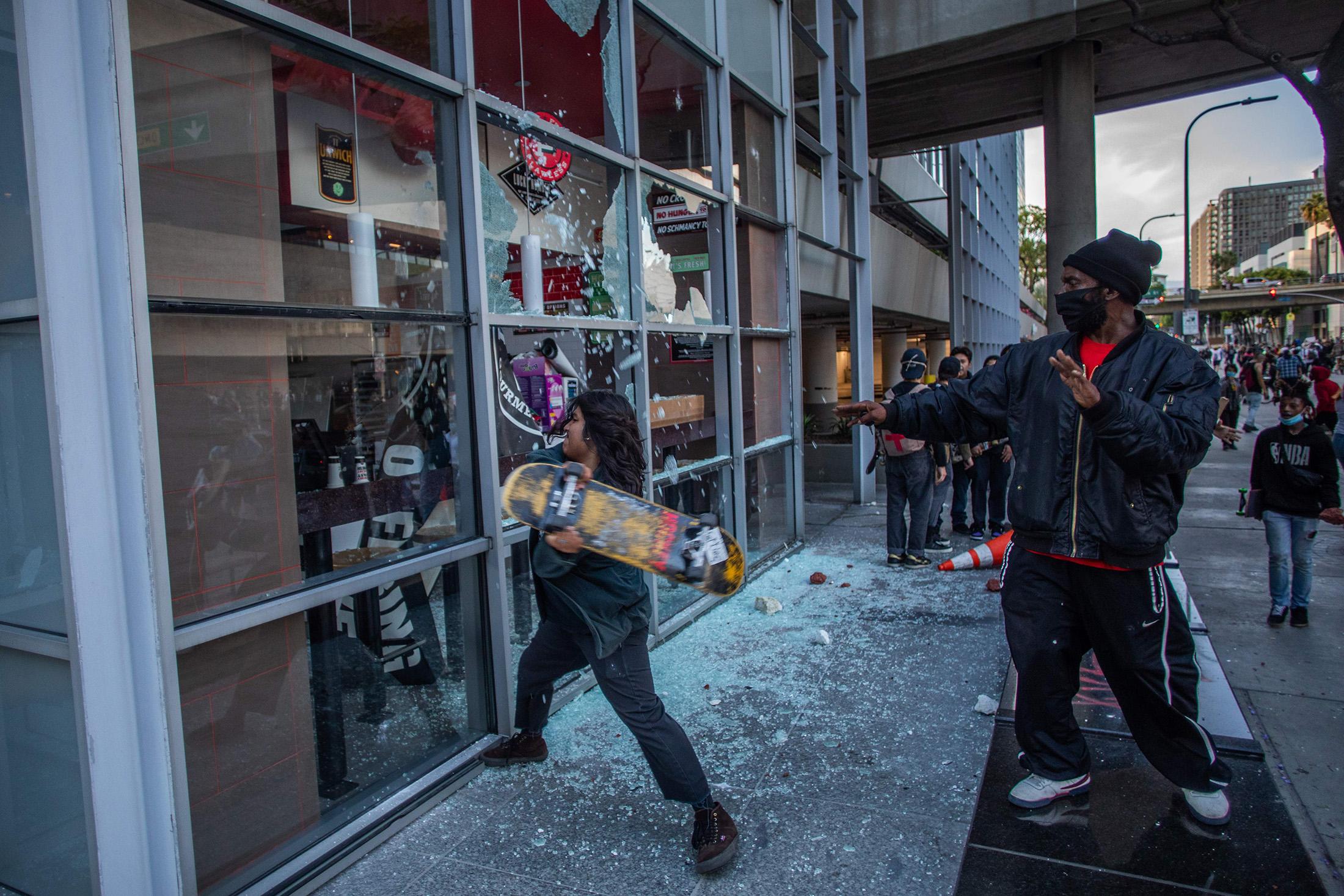 TOPSHOT-POLITICS-RACISM-JUSTICE-US-demonstration-police-minoriti