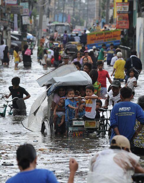 Taiwan Shuts Financial Markets, Schools as Storm Saola Hits