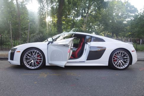 The R8 comes with extensive carbon-fiber options for both interior and exterior trimming.