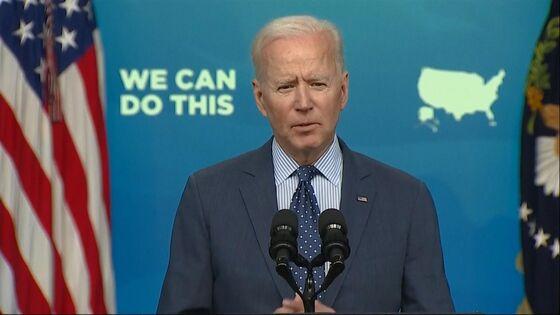 Biden Pivots Vaccine Drive to Grassroots to Reach 70% of Public
