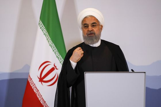 Time Running Out to Save Iran Deal as Rouhani Heads to Alps