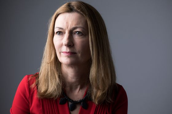 Anne Richards Quits M&G to Head $414 Billion Money Manager