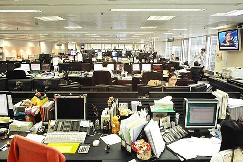 Why We Can't Get Anything Done in an Open-Plan Office
