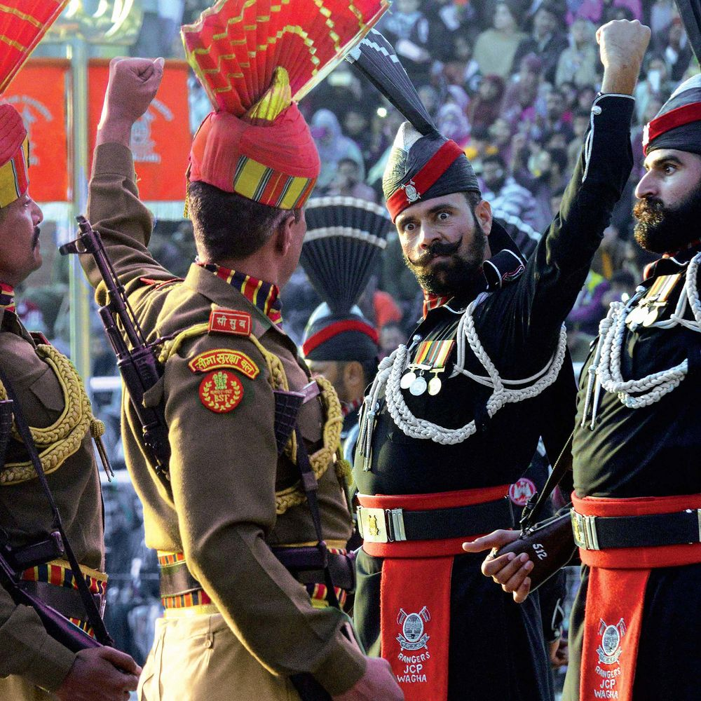 8313f23b8f Indian Border Security Force (BSF) personnel (in brown) and Pakistani  rangers (