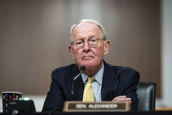 Shelton's Fed Bid Faces New Drama as Third GOP Senator Says No