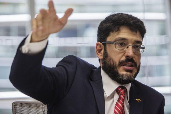 Furious Bondholders Hound Guaido's Money Man as Defaults Pile Up