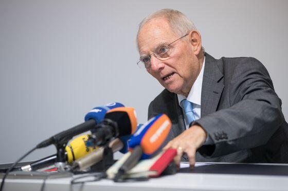 Merkel's Latest Risk Is a Fatally Weakened SPD Coalition Partner